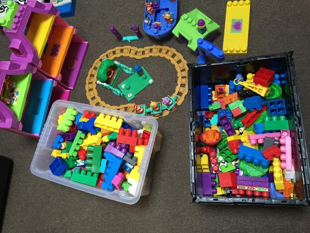 Mega blocks joblot 2 boxes and Winnie pooh and house