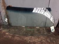 Vw golf mk2 gti 90 spec front windscreen with top blue tint vgc