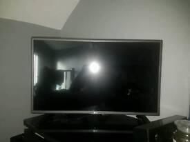 """LG HD TV 32"""""""