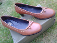 Hotter Brown Ladies Size 7 1/2 Autumn and Winter shoes -excellent condition