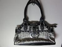 New Guess Ladies Handbag Shoulder Bag with Case Black Beige Unused
