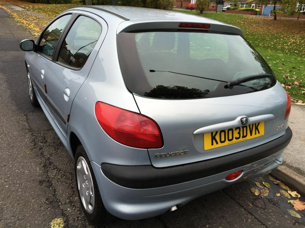 peugeot 206 look hdi 2003 1 4 diesel one former keeper low mileage 30 a year road tax. Black Bedroom Furniture Sets. Home Design Ideas