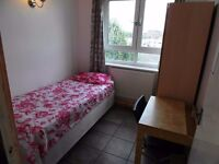 Single room available i n Bow Road station. £140pw all incl