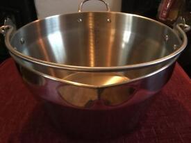 Large preserving pan & 6 new kilner jars