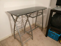 Breakfast bar and 2 chairs