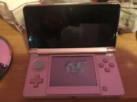 Nintendo 3ds hardly used comes with 2 games charger