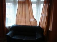 master size double room with 2 new bathroom 5 min to canning town plaistow and stratford stn via bus