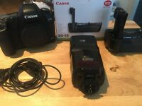 GREAT CONDITION CAMERA CANON 5DMARK II (BODY+ EQUIPMENTS) ONLY 9224 SHUTTER COUNT