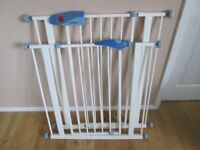 2 x Lindam safety gates child/pet