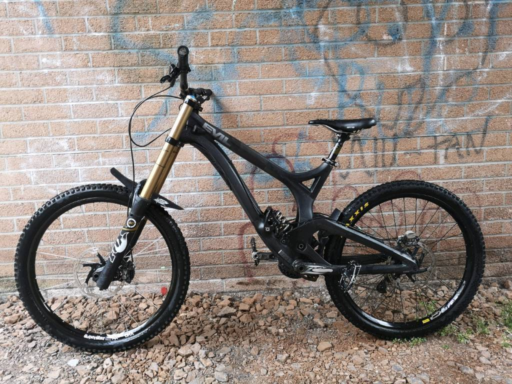 55812d13f0a EVIL UNDEAD PRO DH BIKE DOWNHILL   in Caerphilly   Gumtree