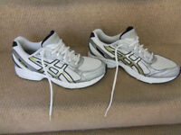 Asics AHAR+ Mens running trainers UK size 10 MINT CONDITION