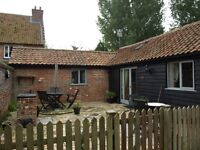 2 bed short term 3 week rental from 17th March Norwich Norfolk inclusive 4* gold country Barn