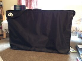 Massage couch, portable excelent condition comes with accessories was over £200 when bought