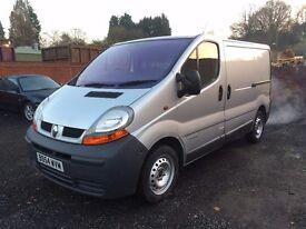 Renault Trafic in SIlver 2005 like nissan primastar vauxhall vivaro £2095 3 months warranty!