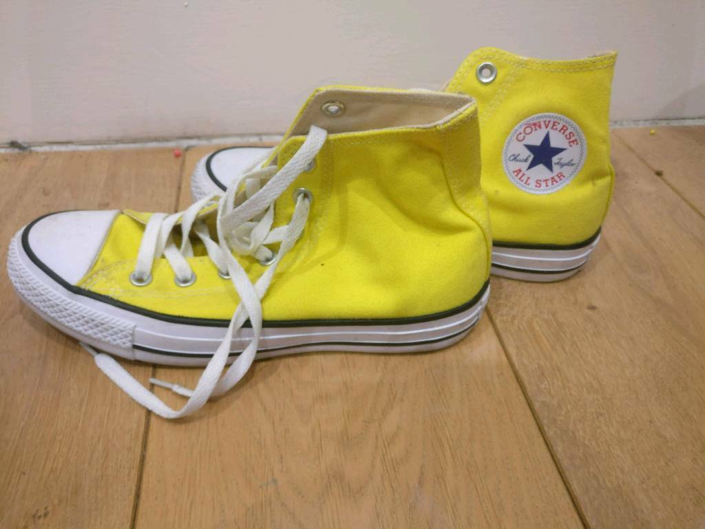 7a9ab89f3525b8 💥Bright Yellow High Top Converse💥