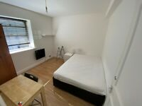 *COUPLES WELCOME* Double room in central Brighton. The property consists of a kitchen & bathroom