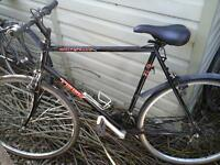 TREK MOUNTAIN BIKE 27 INCH WHEELS 24 GEARS EXCELLENT CONDITION £ 30 NO TEXTS PLEASE