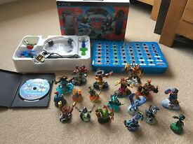 Skylanders Trap Team Bundle - Game, Portal, 2 Traps and 20 Characters