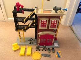 FISHER PRICE IMAGINEXT FIRE STATION WITH FIGURES/ACCESSORIES