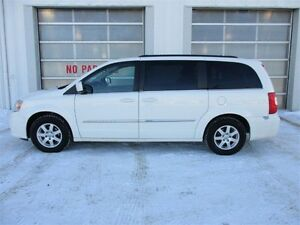 2012 Chrysler Town & Country TOURING  3.6L V6 POWER PACK / TOUCH