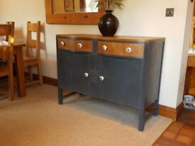Sideboard with 2 Drawers over 2 Cupboards