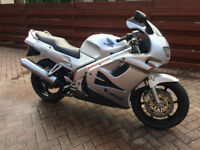 Honda VFR 750 In Very Rare Silver Low Milage Great Condition