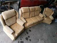 PARKER KNOLL Suite, Beautiful Condition