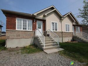 208 250$ - Jumelé à vendre à Gatineau Gatineau Ottawa / Gatineau Area image 2