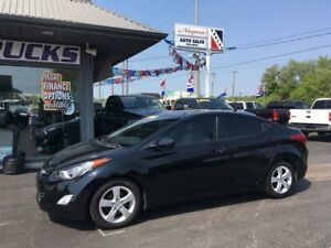 2013 Hyundai Elantra TINTED WINDOWS AND SUNROOF !!!