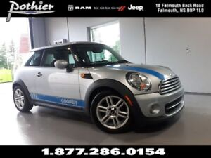 2011 MINI Cooper Classic Base | LEATHER | GLASS ROOF | ALLOY WHE