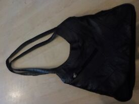 BNWOT - Ladies Black Handbag - Unbranded - Collect PE27