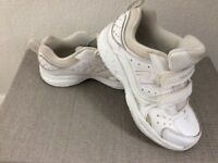New Balance trainers white size 12.5 Eur 31