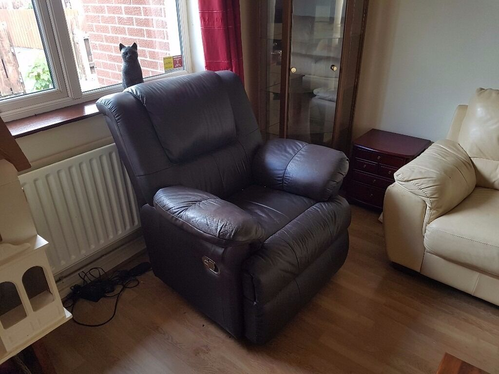 Brown leather electric recliner armchair excellent conditionin Bangor, County DownGumtree - Reclining armchair electric. brown leather excellent condition barely used. has been in a smokers house