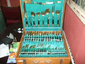 VINTAGE Siam 100 pc Cutlery Set