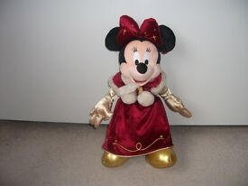 NEW DISNEY LAND PARIS MINNIE MOUSE MOTHER CHRISTMAS 18 INCH WITH TAGS
