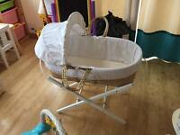Clair de lune waffle Moses basket and folding stand