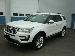 2016 Ford Explorer Limited-LIKE NEW