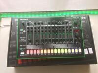 Roland TR-8 Drum Machine (7X7 Expansion Included)