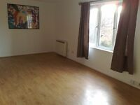 Fantastic Condition One bedroom First floor purpose built flat in Barking --- No DSS please