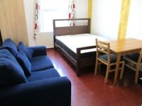 AMAZING VALUE INCLUDES BILLS!! LARGE DOUBLE STUDIO NEAR ZONE 2 & 3 NIGHT TUBE, 24 HR BUSES & SHOPS