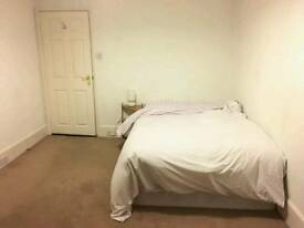Fabulous lovely double bedroom newly refurbished available near SEVEN SISTERS