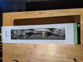 Brand new Gemini 6-light track kit, spotlight bulbs included