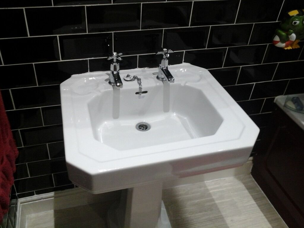 Armitage shanks bathroom sinks - Armitage Shanks Cliveden Sink With 2 Sets Of Taps