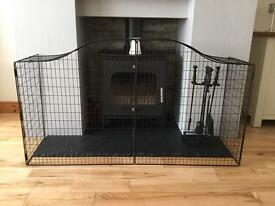 CURVED TOP FIRE GUARD HEARTH SURROUND VGC