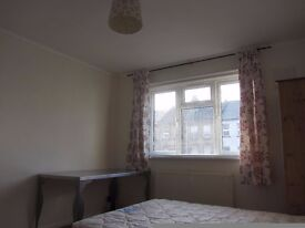 Double room Lewisham for SHORT STAY, £25 per day,Bills inclusive, only available before November.