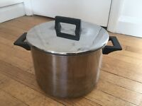 Big IKEA 8,5L soup pot with lid