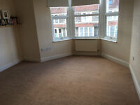 Large Double Room to Rent in Lovely Shared House close to Gloucester Road
