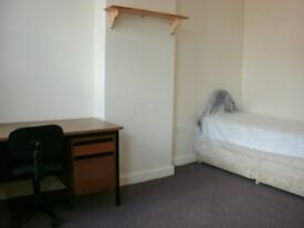 furnished double room£70pw and single£60pw drewry lane inc all utilty bills