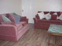 Cosy single room available in a superb spacious 4 bedroom NON-SMOKING shared house