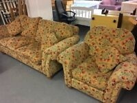 LOVELY COUNTRY CITTAGE STYLE JOHN LEWIS SOFA WITH TWO CHAIRS